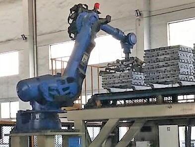 铝锭机器人码垛/铝锭机器人叠锭设备