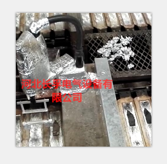 合金铝锭用机器人厚度控制+刮渣装置